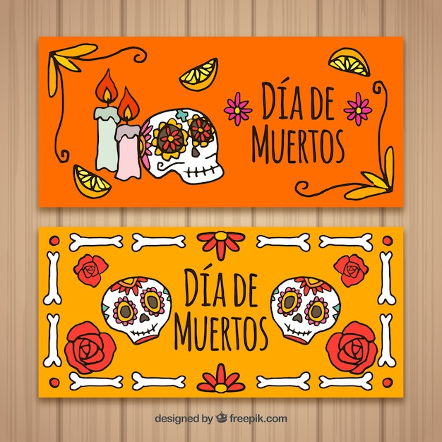 Оранжевые баннеры с деньгами в обратном порядке Бесплатные векторы
