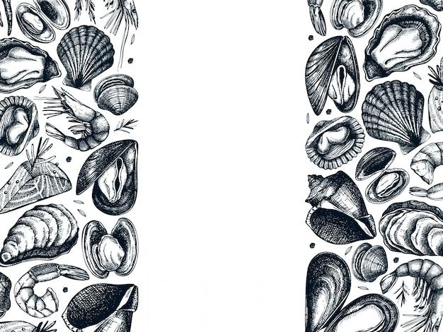 手描きのシーフードフレーム。新鮮な魚、ロブスター、カニ、貝、イカ、軟体動物、キャビア、エビの絵付き。ビンテージシーフードスケッチメニューテンプレート Premiumベクター