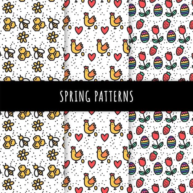 Ручной обращается коллекция весна шаблон с пчелами и цыплятами Premium векторы
