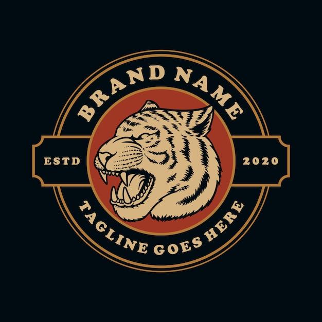 Нарисованный рукой винтажный символ эмблемы тигра или талисмана эмблемы. Premium векторы