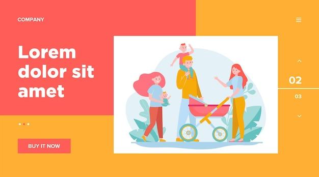 Счастливая большая семья гуляет вместе. мать, ребенок, отец плоские векторные иллюстрации. дизайн веб-сайта или целевая веб-страница концепции отцовства и отношений Бесплатные векторы