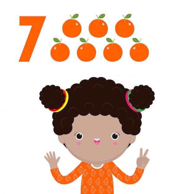 幸せな子供の手が数7を示す、かわいい子供たちが指で数を示しています。小さな子供研究数学数カウントフルーツ教育概念、教材分離図 Premiumベクター