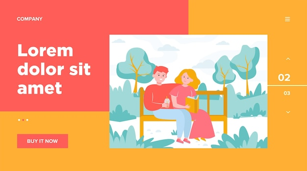 公園のベンチに座っている幸せなカップル。日付、愛、本フラットベクトルイラスト。関係と家族の概念のウェブサイトのデザインまたはランディングwebページ 無料ベクター