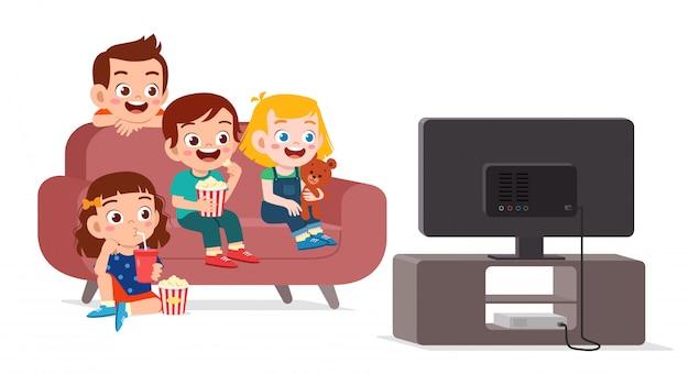 تماشای تلویزیون دسته جمعی