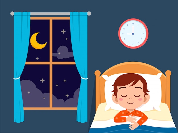 Счастливый милый маленький мальчик спать в спальне Premium векторы