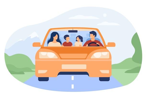 자동차 고립 된 평면 벡터 일러스트 레이 션에 여행하는 행복 한 가족. 자동차에 만화 아버지, 어머니, 아들 및 딸의 전면 모습. 무료 벡터