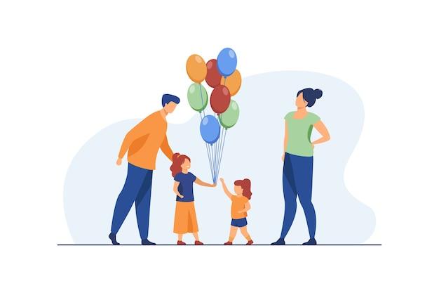 Счастливые родители и маленькие девочки с воздушными шарами. день рождения, дочь, мама плоские векторные иллюстрации. праздник и праздник Бесплатные векторы