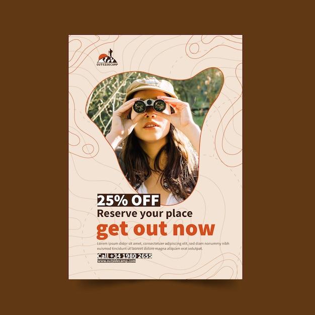 Poster di offerta di spedizione escursionistica Vettore gratuito