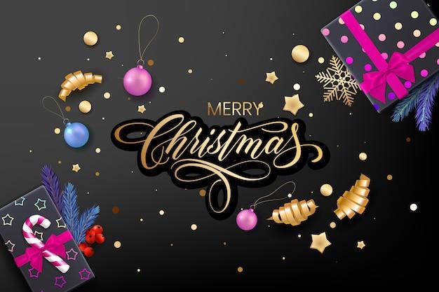 Открытка holiday's merry christmas с реалистичными красочными предметами, украшенными елочными шарами, золотыми звездами, снежинками, лентами для керлинга и подарочной коробкой Premium векторы