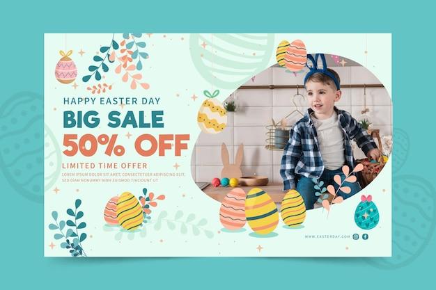 Modello di banner orizzontale per pasqua con bambino e uova Vettore gratuito