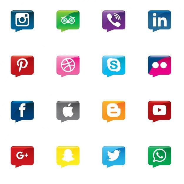 آیکون های رسانه های اجتماعی در حباب سخنرانی