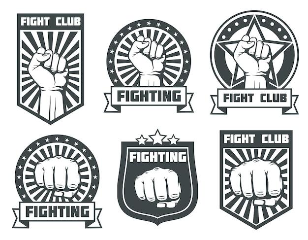 ヴィンテージのラベル、ロゴ、エンブレムベクトルセットで拳のクラブを戦う。ボクシングのスポーツ、キックボクシングのロゴタイプil Premiumベクター