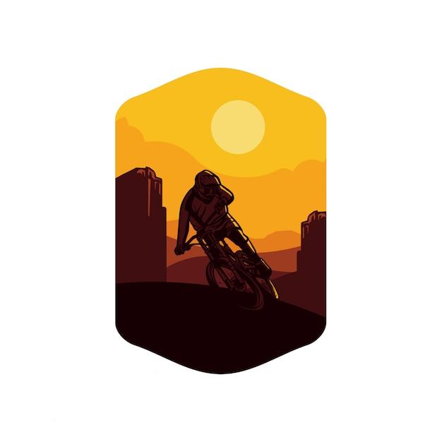 Солнце желтого цвета предпосылки горы велосипеда. знак логотипа значок символ футболка дизайн плаката Premium векторы