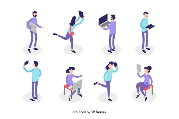 Isometric people using technological devices Free Vector