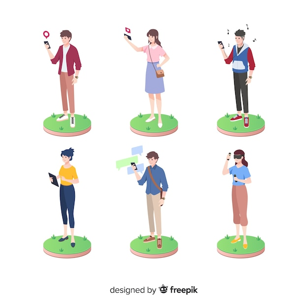 Isometric people using technology devices Free Vector