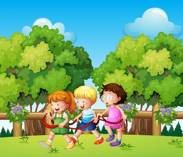 Дети играют на улице в дневное время Бесплатные векторы
