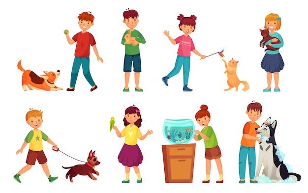 ペットと子供。子供の抱擁ペット、子愛動物、犬やかわいい猫漫画のベクトルイラストセットで遊んで Premiumベクター