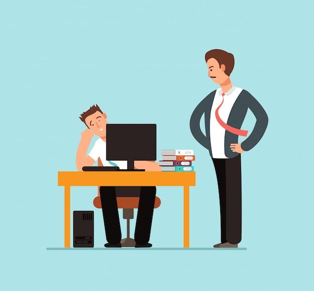 コンピューターとオフィスの図に怒っている上司の後ろの机で退屈怠laな労働者 Premiumベクター