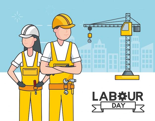Рабочие с краном, здания, иллюстрация Бесплатные векторы