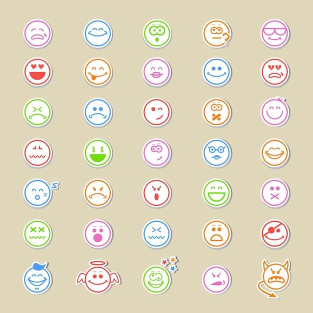 Большая коллекция круглых смайликов или смайликов, отображающих самые разные выражения в тридцати пяти различных векторных изображениях. Бесплатные векторы