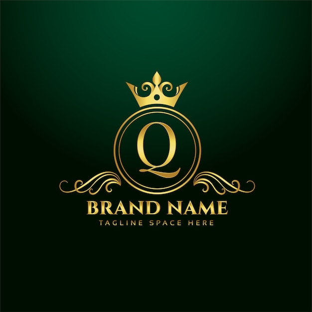 Letter q ornamental logo concept with golden crown Free Vector