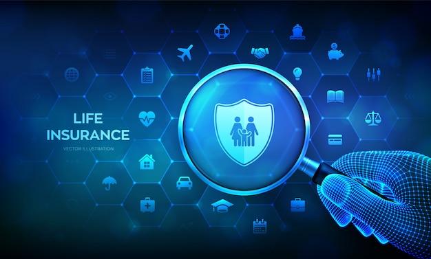 拡大鏡を手に持つ生命保険の概念。家族の保護。虫眼鏡と仮想画面上のインフォグラフィック。 Premiumベクター
