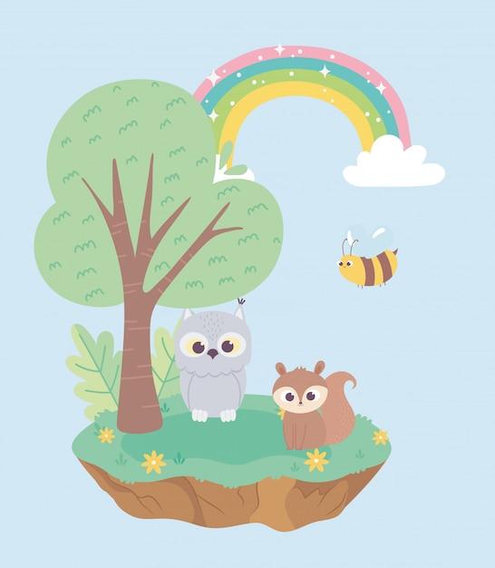 Белка сова и пчела животные цветы дерево мультфильм Premium векторы