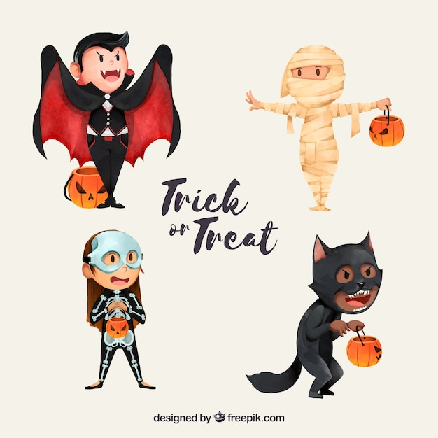 Lovely characters disguised as halloween Free Vector