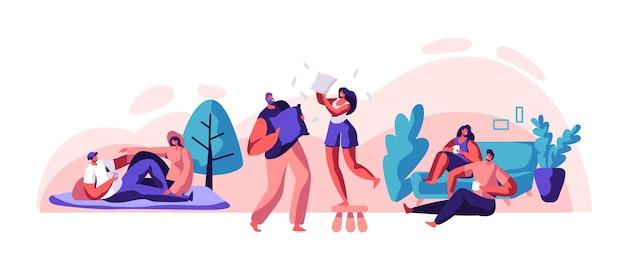 Пара влюбленных расслабиться, провести время вместе набор. мужчина и женщина сидят на удобном диване, пьют чай или кофе. пикник счастливой пары в городском парке. беззаботная подушка борьба плоский мультфильм векторные иллюстрации Premium векторы