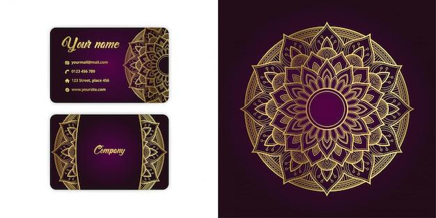 Роскошная золотая визитная карточка арабески с мандалой и причудливый фон на элегантном пурпурном цвете Premium векторы