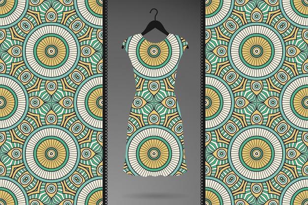 ゴールドカラーベクトルで豪華な装飾的なマンダラシームレスパターン 無料ベクター