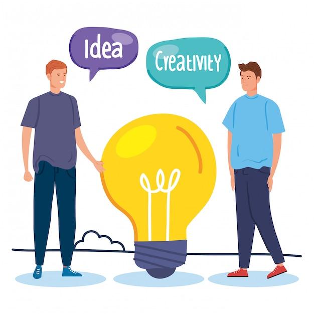 Человек творческий с лампочкой и речи пузыри Premium векторы