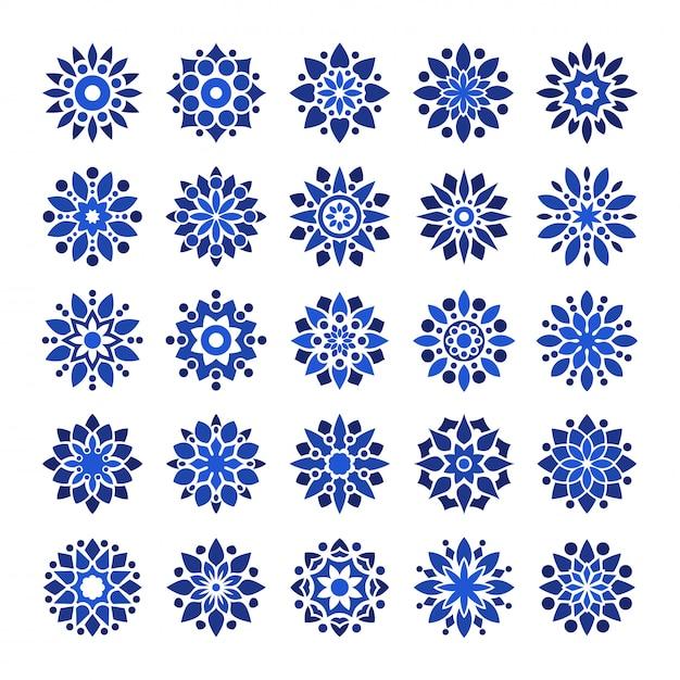 Мандала в стиле арабески с логотипом в темно-синем цвете Premium векторы
