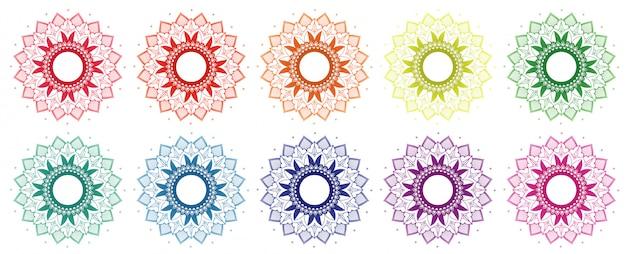 Мандала дизайн в разных цветах Бесплатные векторы