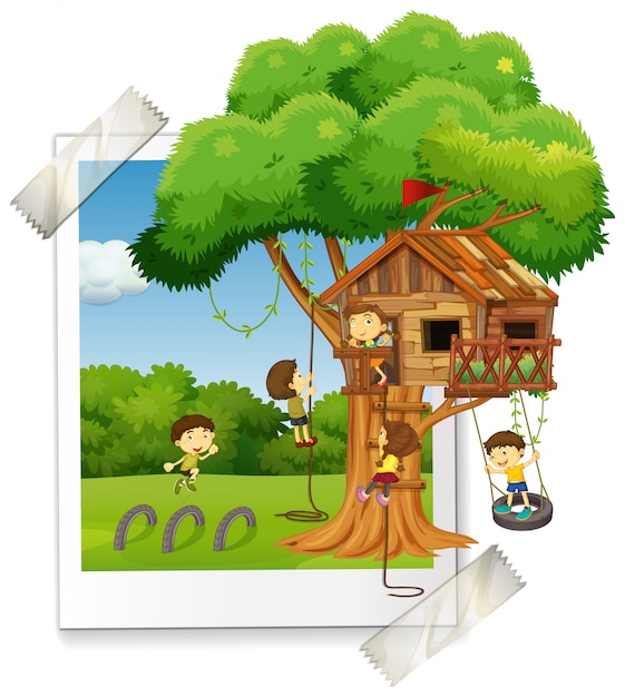 Many children playing in treehouse Free Vector