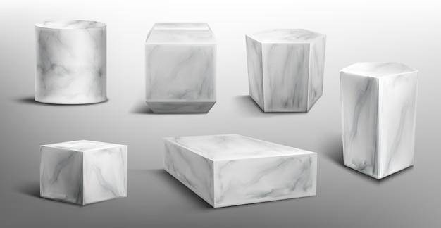 Мраморные пьедесталы или подиумы, абстрактные геометрические пустые музейные сцены, каменные экспонаты для церемонии награждения или презентации продукта. платформа галереи, подставки для пустых продуктов, реалистичный набор 3d Бесплатные векторы