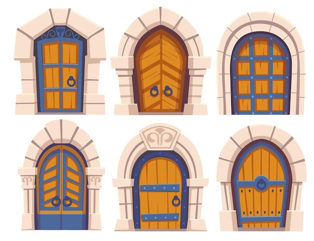 Средневековый замок деревянные двери и каменные арки Бесплатные векторы