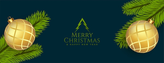 Счастливого рождества поздравительный баннер с реалистичным декором Бесплатные векторы