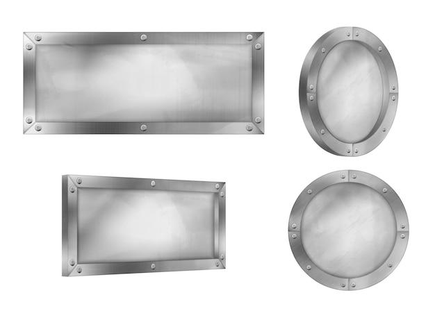 Металлические знаки, стальные доски с заклепками на раме на белом Бесплатные векторы