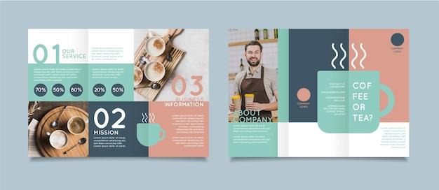 Modello di brochure a tre ante minimo con foto Vettore gratuito