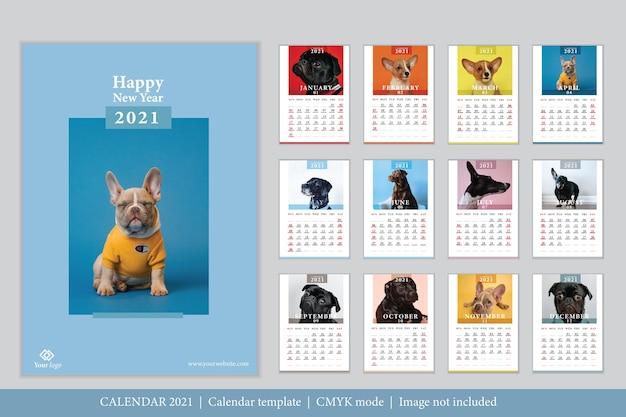 Шаблон календаря 2021 современный дизайн Бесплатные векторы