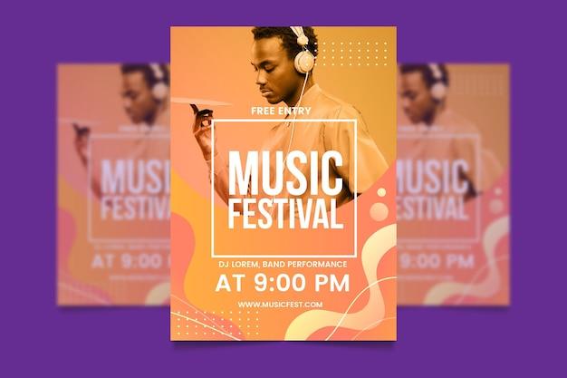 Шаблон постера музыкального события с изображением Бесплатные векторы