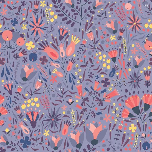 紫色の背景に豪華な咲く草原の花と自然のシームレスなパターン。 Premiumベクター