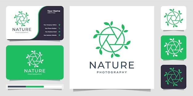 自然とレンズの写真撮影のコンセプト。サークルロゴデザインテンプレートと名刺 Premiumベクター