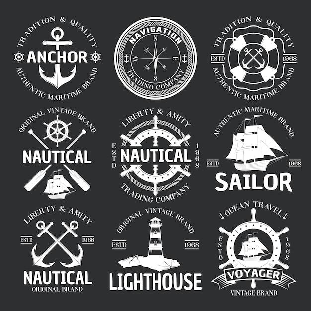 Emblema nautico impostato sul nero Vettore gratuito