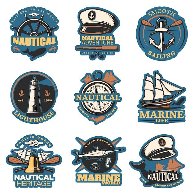 Emblema nautico impostato a colori con avventure nautiche a vela fluide vita marina e altre descrizioni Vettore gratuito