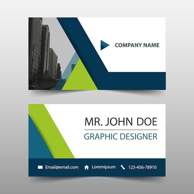 緑の三角形企業のビジネスカードテンプレート 無料ベクター