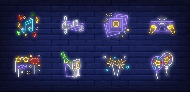 Символы вечеринки в неоновом стиле с воздушными шарами Бесплатные векторы