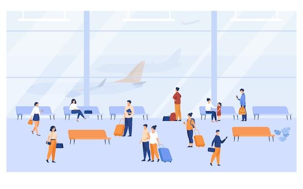 大きなパノラマの窓フラットベクトル図と空港ビル内の乗客。漫画のキャラクター待っている飛行機、ベンチに座って、荷物を持って歩きます。 無料ベクター
