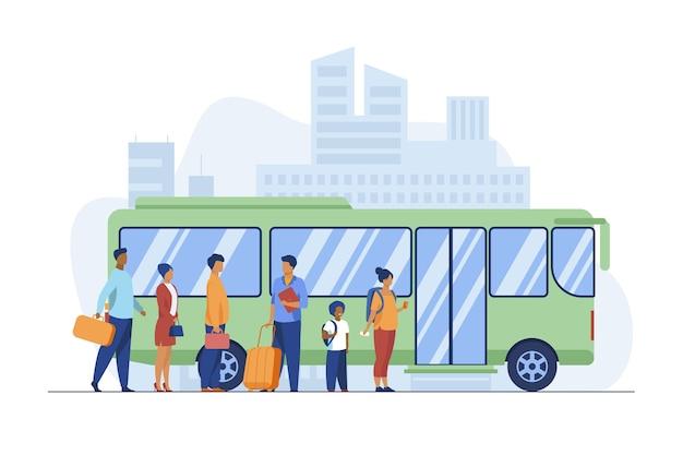 도시에서 버스를 기다리는 승객. 큐, 마을도 평면 벡터 일러스트 레이 션. 대중 교통 및 도시 생활 무료 벡터